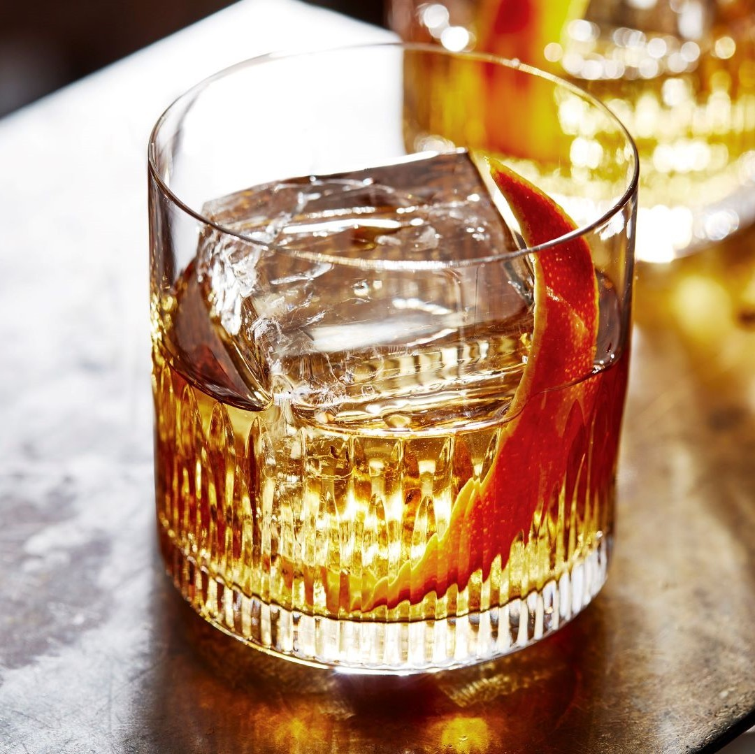 ballantines-b7-bourbon-finish-old-fashioned-sq