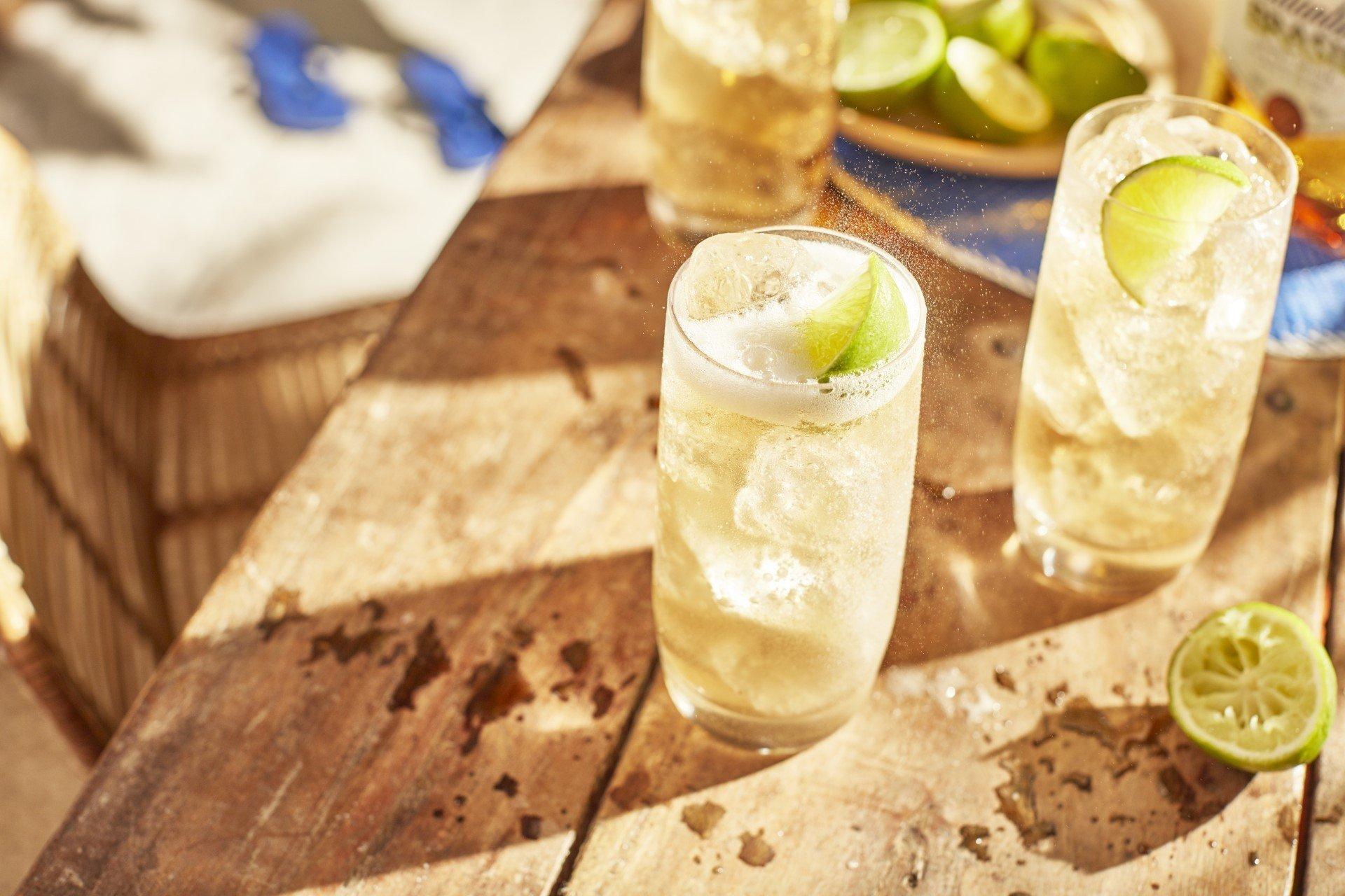 Ballantine's Brasil & Lemonade Drink