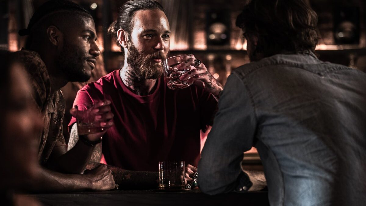 Ballantine's 7 Bourbon Finish with friends