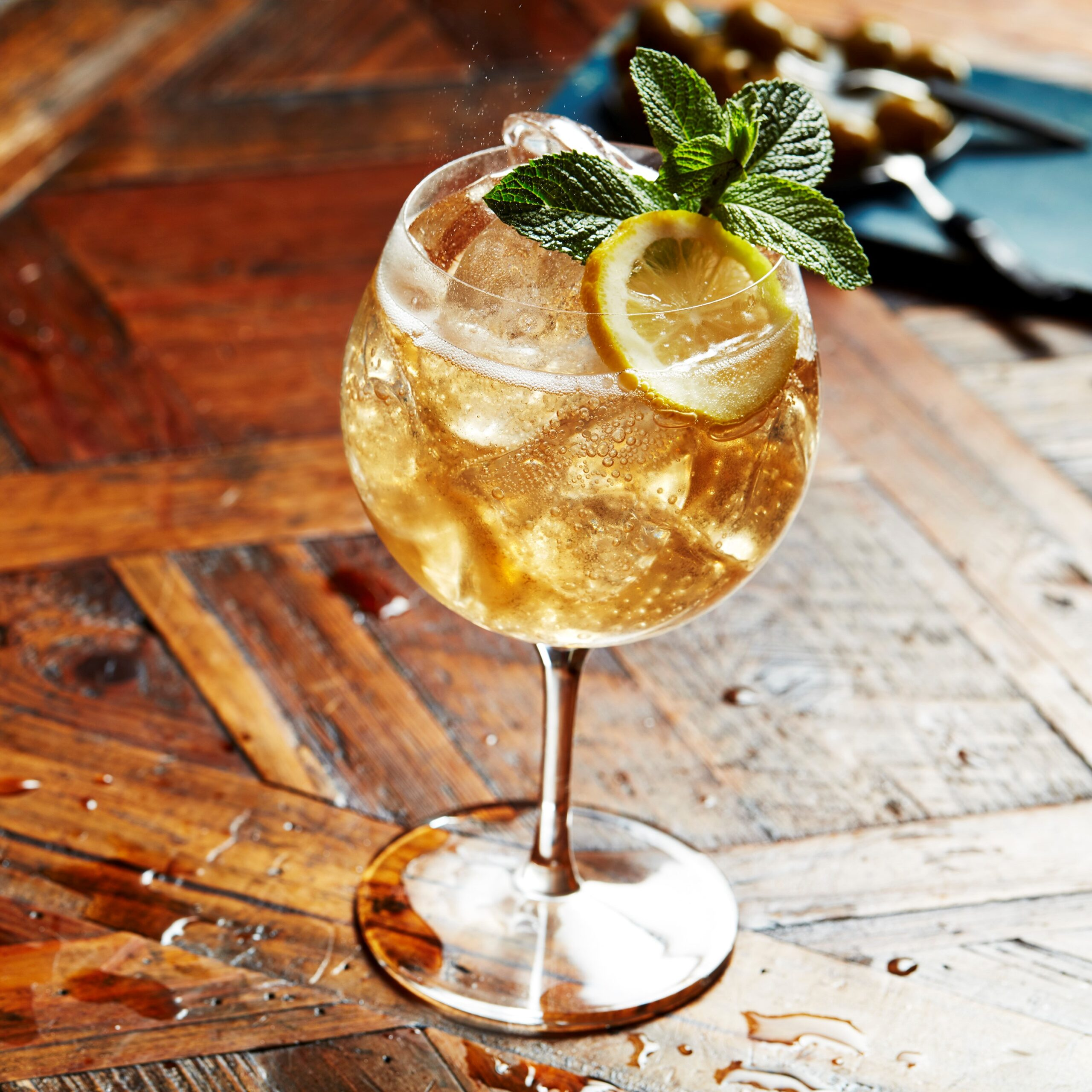 ballantines-finest ginger ale mint lemon